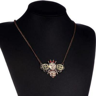 Hot Johnson heart-shaped gear owl necklace
